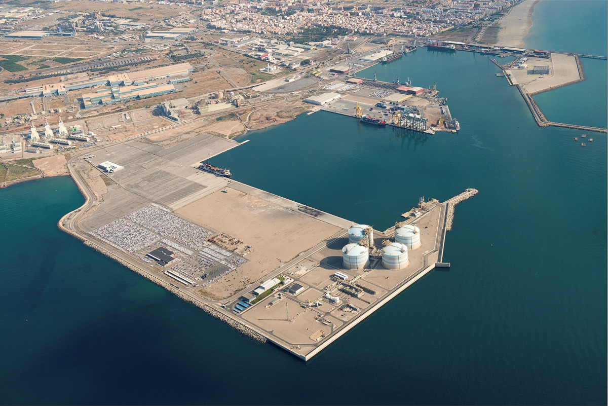 Container traffic grows by at the port of sagunt from january to september valenciaport - Tanatorio puerto de sagunto ...
